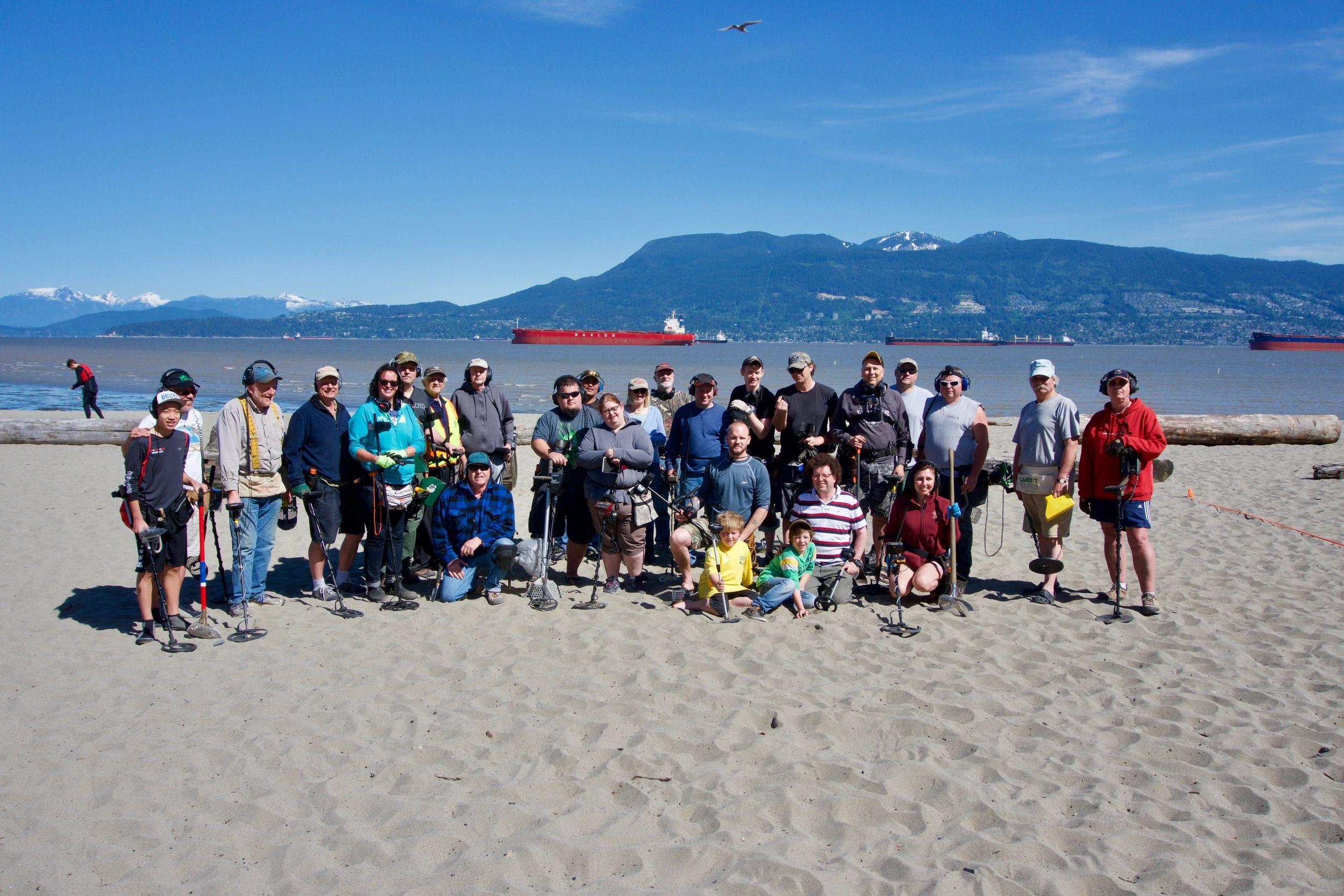 West Coast Treasure Hunters Club Fun Metal Detector To Findcoins At The Beach