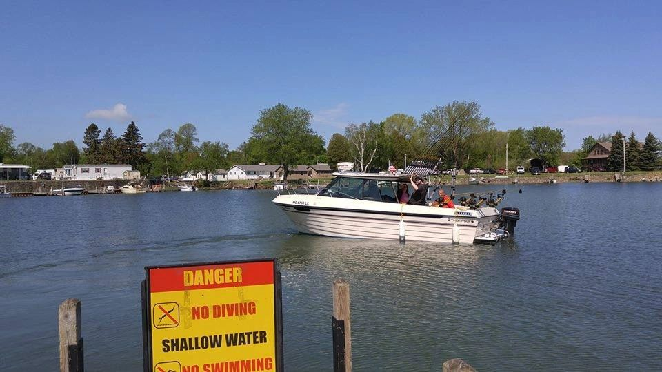 Thumbs up charter services home thumbs up charter services for Michigan fishing license cost