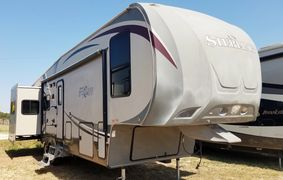 2012 Forest River Wildcat Sterling 5th Wheel
