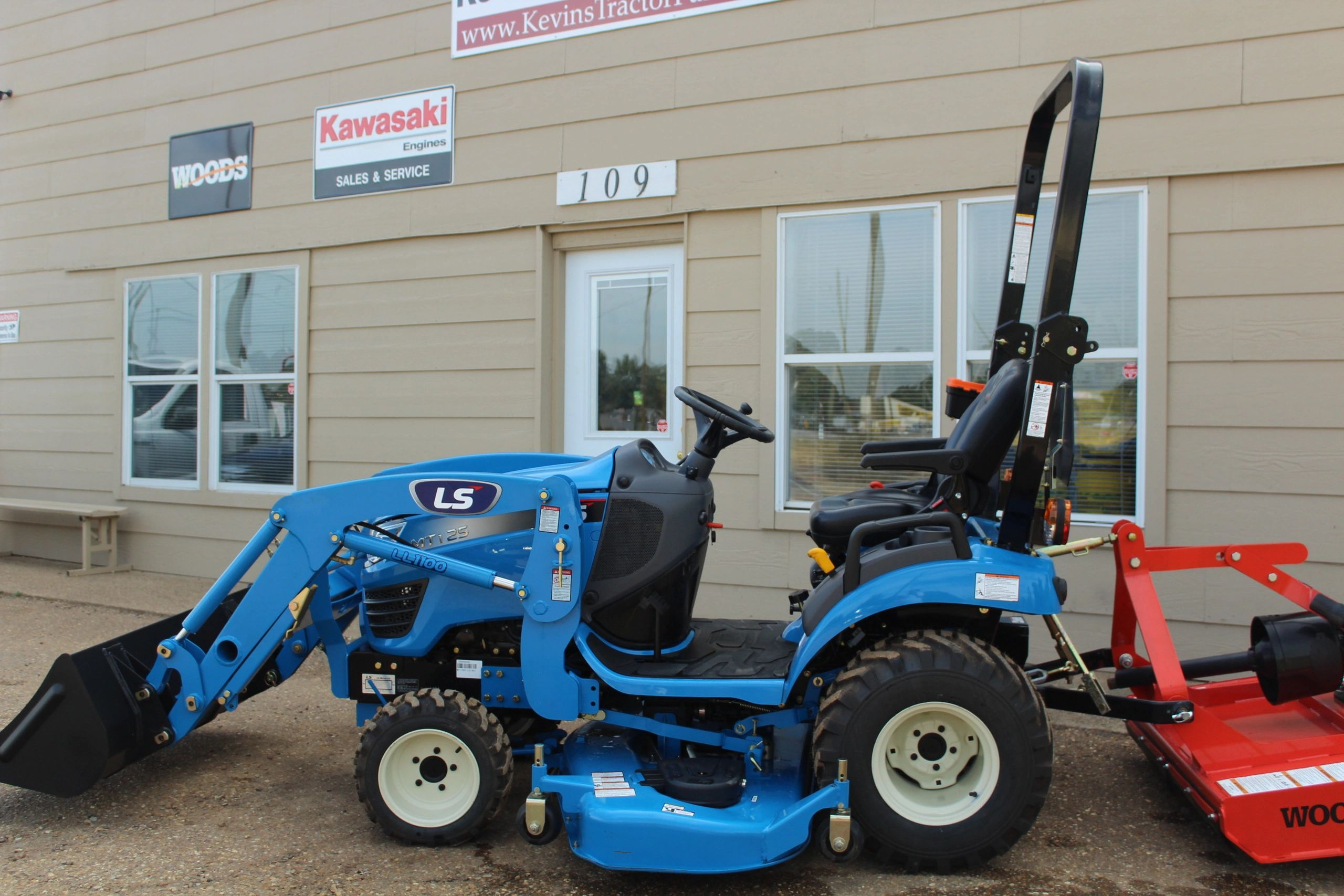 Kevin's Tractor Parts - Tractors, Lawn Mowers