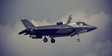 First F-35 Hover Flight At Farnborough Airshow 2016