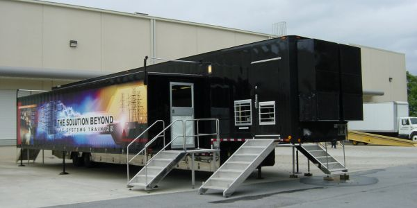 Customized 48' double expanding wall Mobile Classroom Trailer
