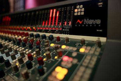 32 Channel Neve Professional Audio Mixer