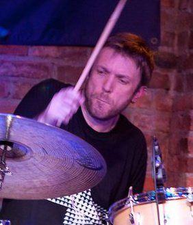 Bio | Heinrich Kruse, Professional Drummer