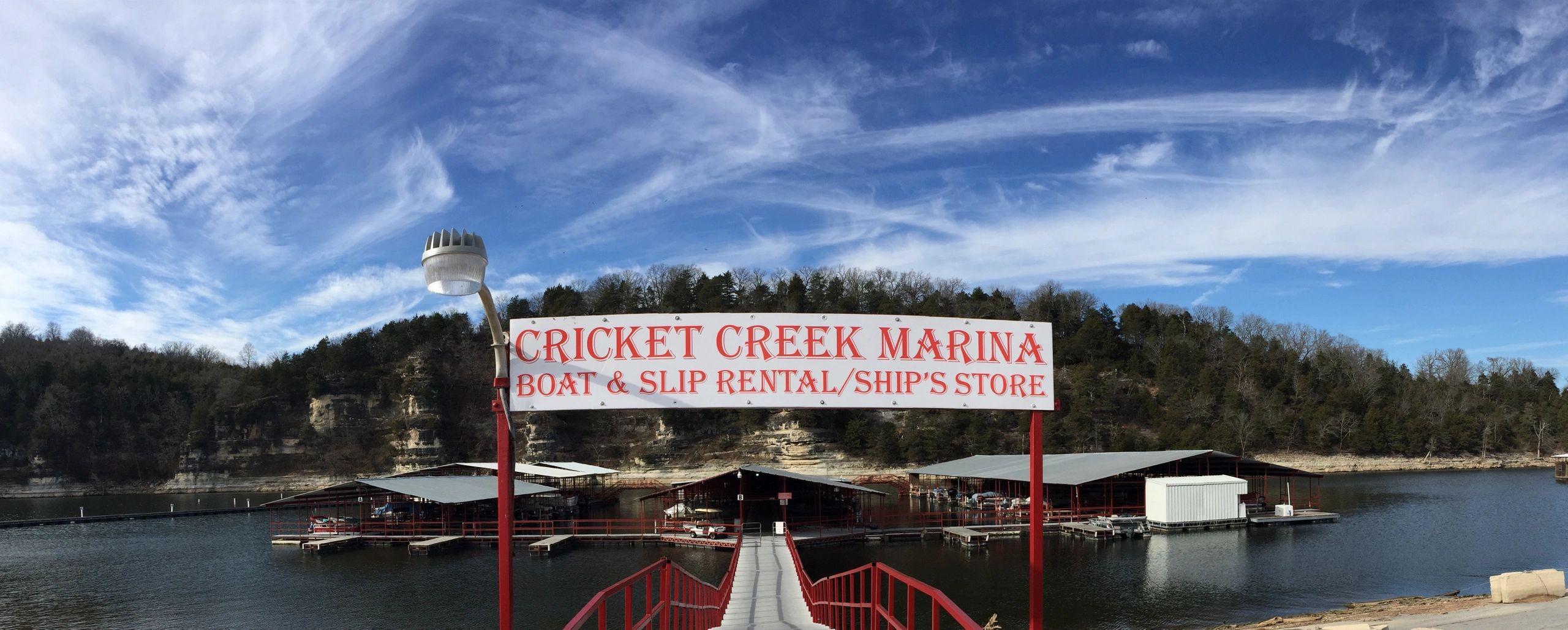 Lodging Cricket Creek Marina