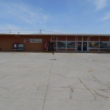 EMERSON, NE, SMALL TOWN GROCERY; GREAT BUSINESS OPPORTUNITY 5,760 sq ft building. Inventory Included