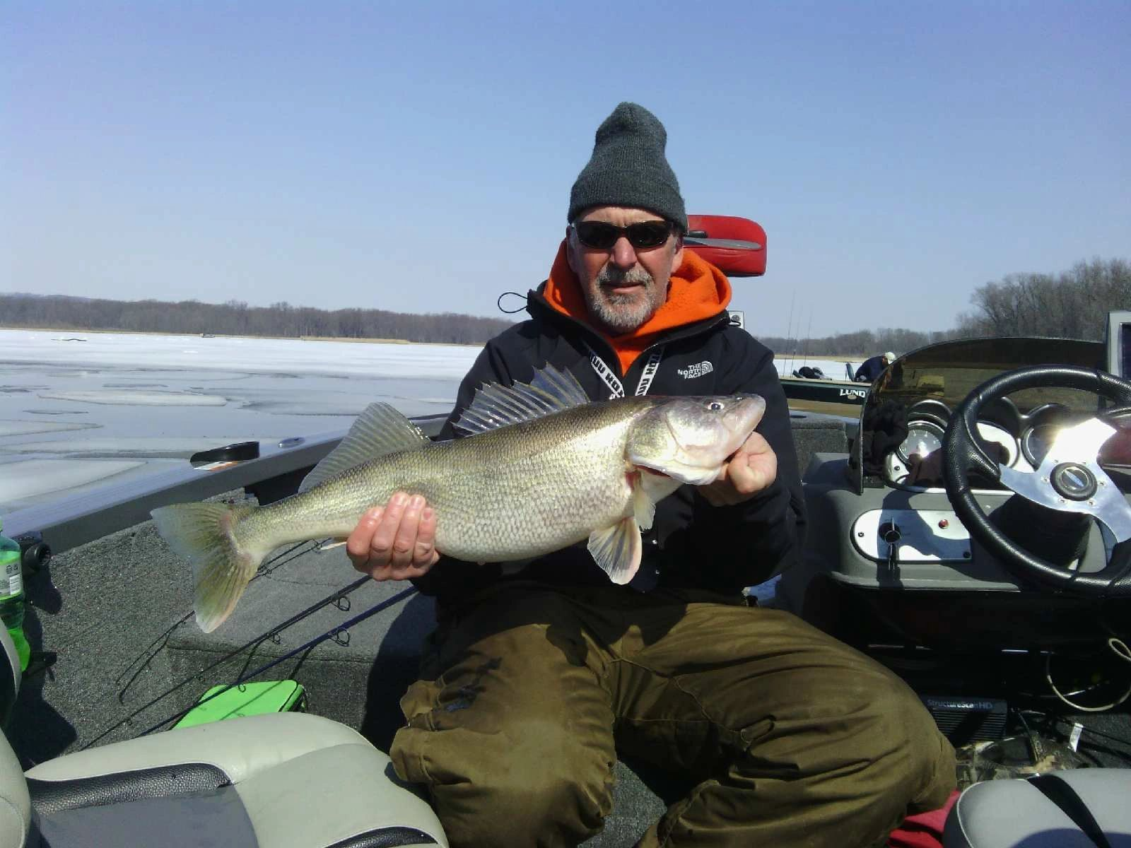 Ifishinet mississippi river walleye guiding fishing for Red wing fishing report