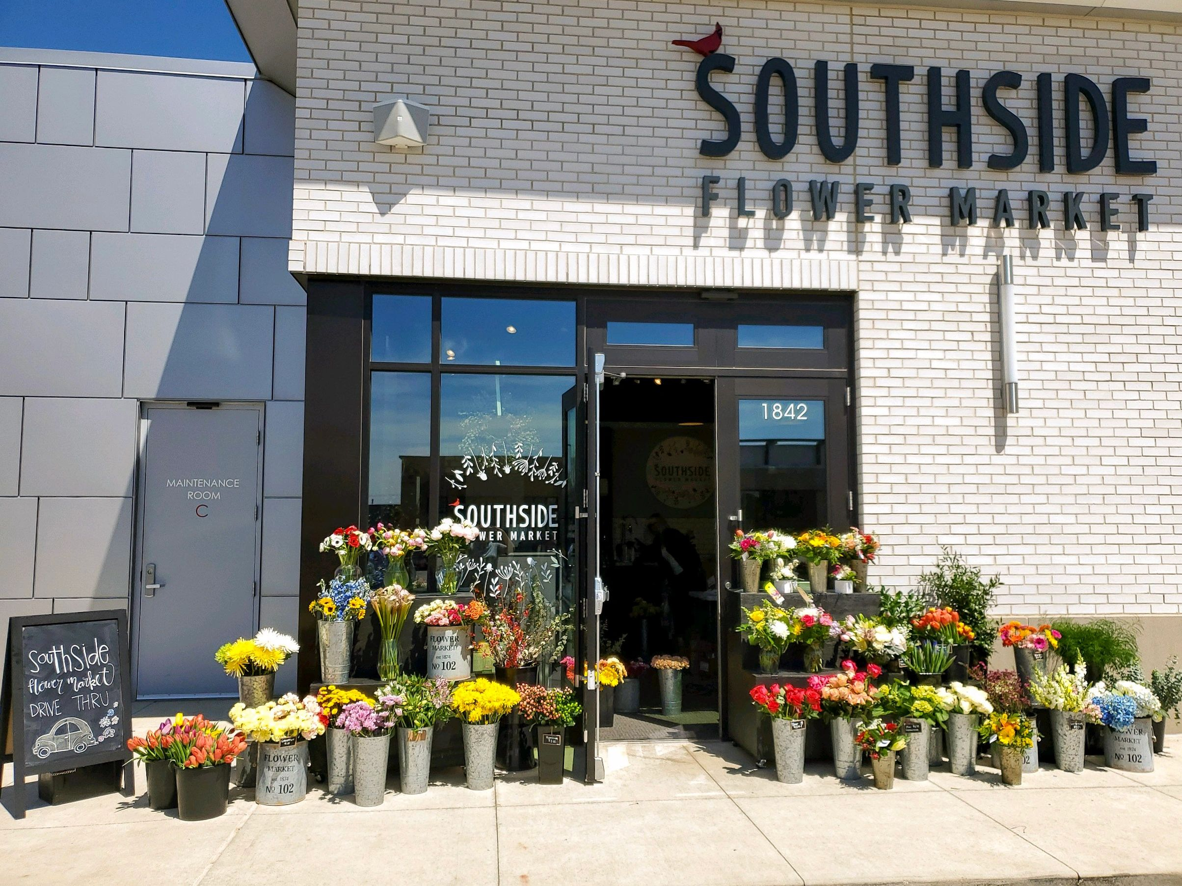 Drive through flower market offers curbside pickup of your arrangement or hand tied bouquet.