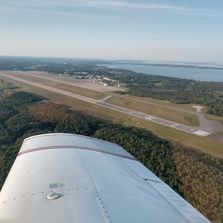 Flying the right downwind on Runway 17 KPBG