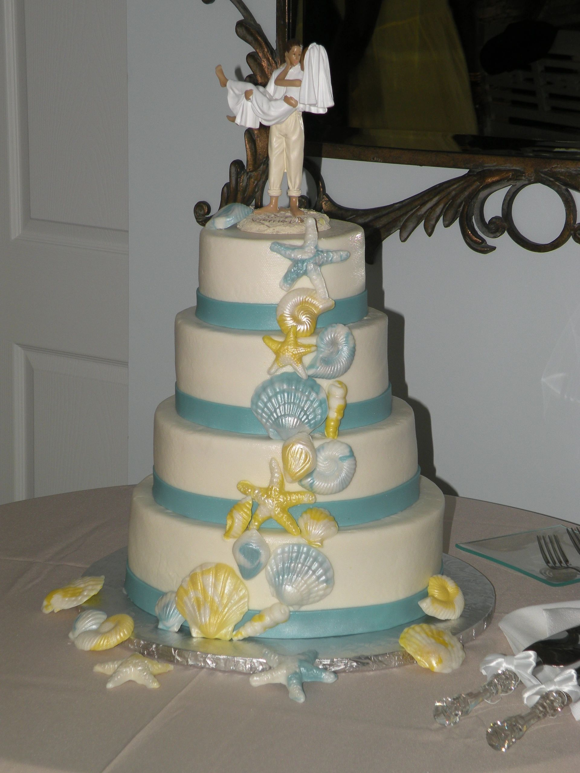 A Retail Bakery Specializing In Cupcakes Cakes Wedding Desserts