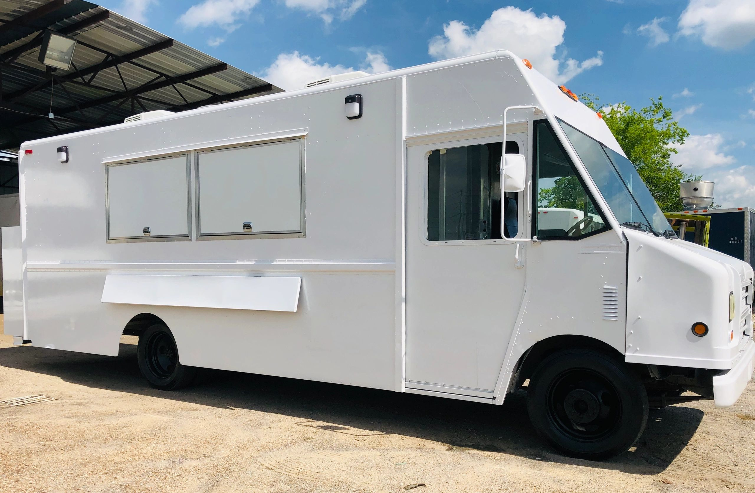 Food Trucks For Sale Near Me >> C 4 Food Trucks Food Truck Builder Food Truck For Sale