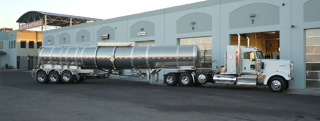 Chicago Oilfield tanker truck