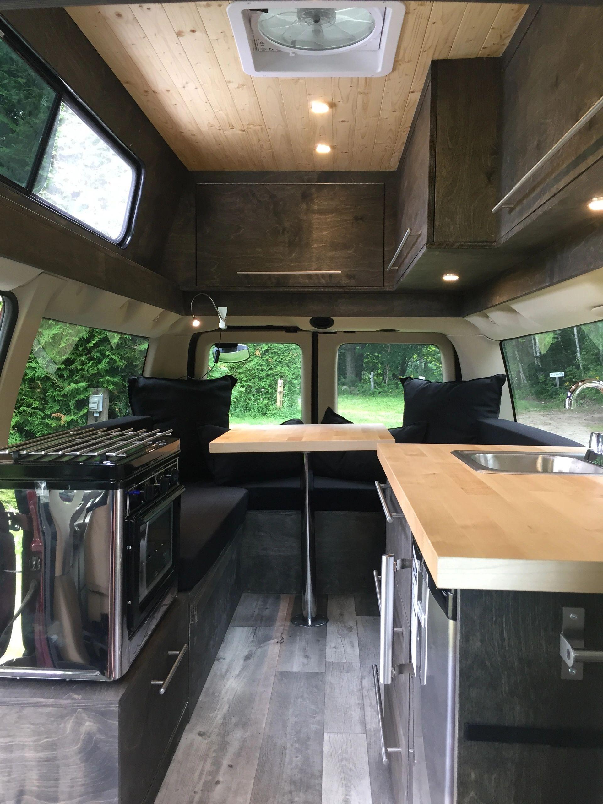 contactez nous nomadvan. Black Bedroom Furniture Sets. Home Design Ideas