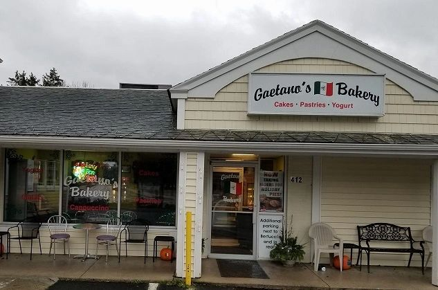 Gaetano S Bakery Bakery Near Me Custom Cakes Italian