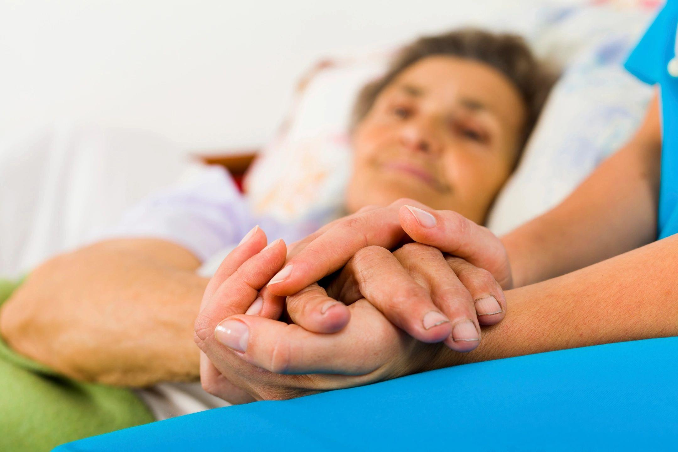 А уход за лежачими больными в домашних