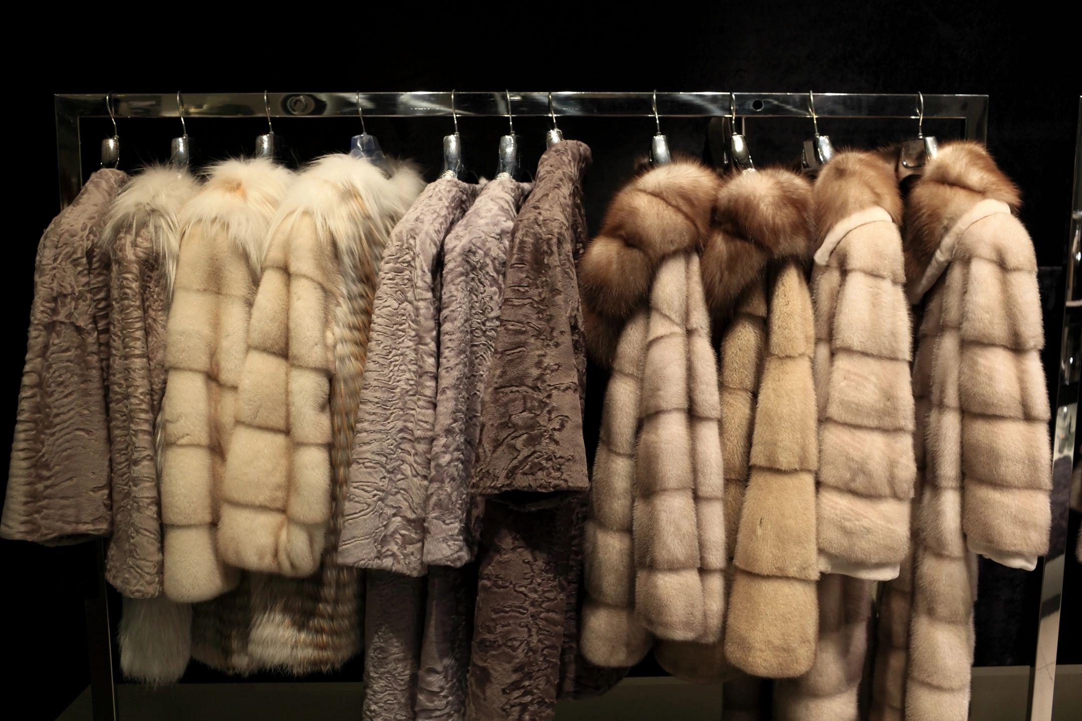Hyde Fur & Shearling CO - Fur Coat, Vest, Fur