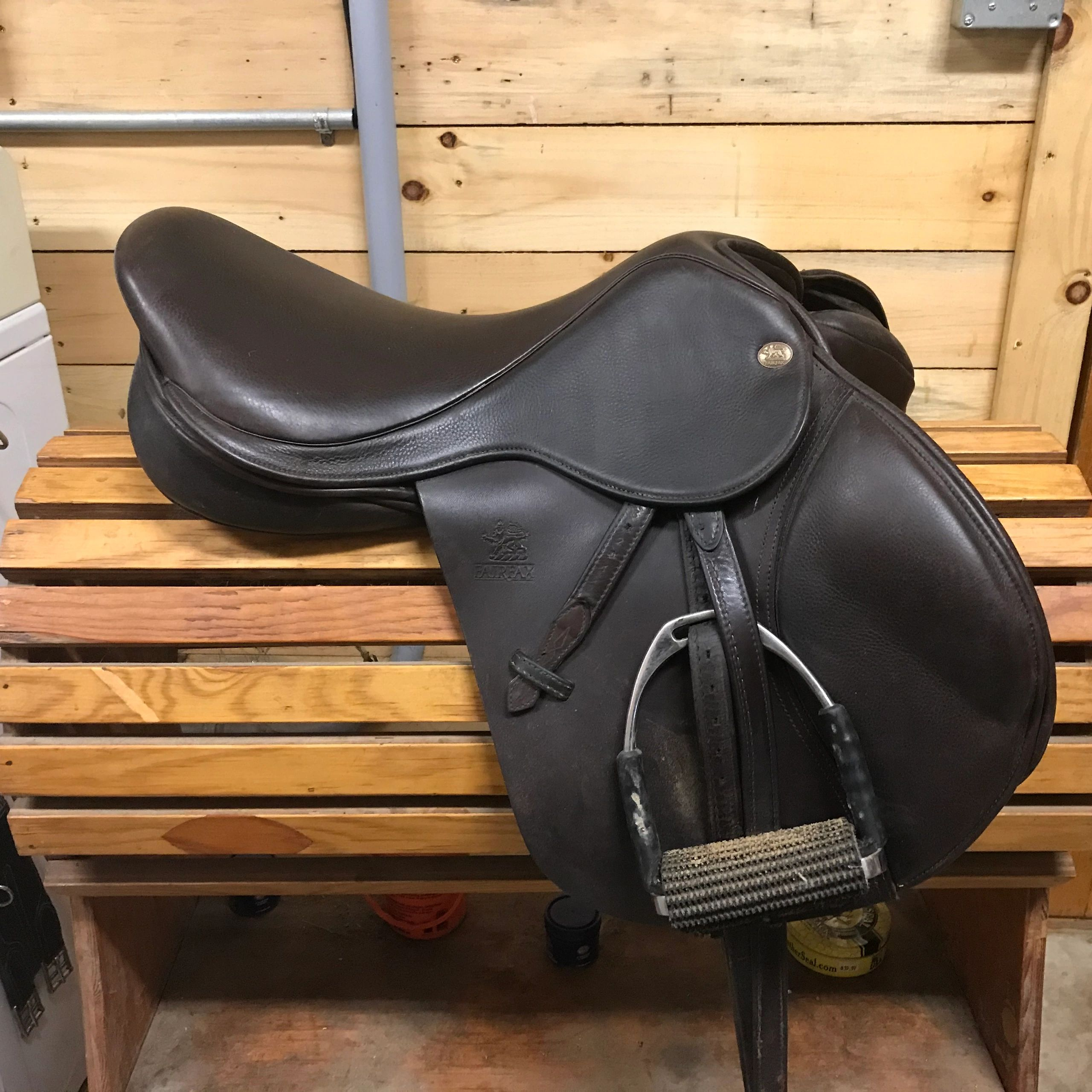 "{""blocks"":[{""key"":""20t5g"",""text"":""To start measuring your saddle place it on a secure saddle stand.  Make sure you can send accurate photos of your saddle."",""type"":""unstyled"",""depth"":0,""inlineStyleRanges"":[],""entityRanges"":[],""data"":{}}],""entityMap"":{}}"