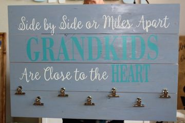 Great gifts for mom grandma kids picture board
