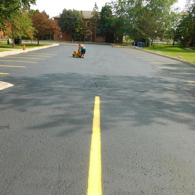 asphalt sealing pavement sealing driveway sealing