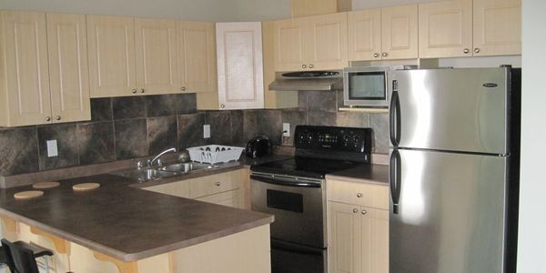 Fully equipped kitchen Canada Place Commonwealth Stadium WEM West Edmonton Mall NAIT City Centre
