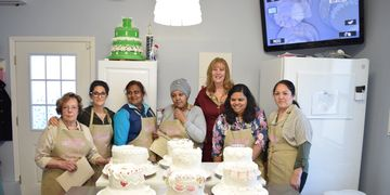 Master Classes are design for those who has knowledge on cake decorating and want to learn more tech