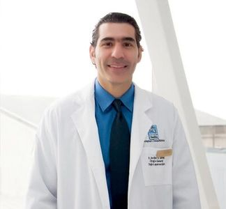 A doctor that does non-obese bariatric surgery in Costa Rica