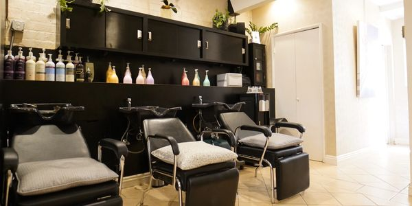 Relaxing hair wash stations