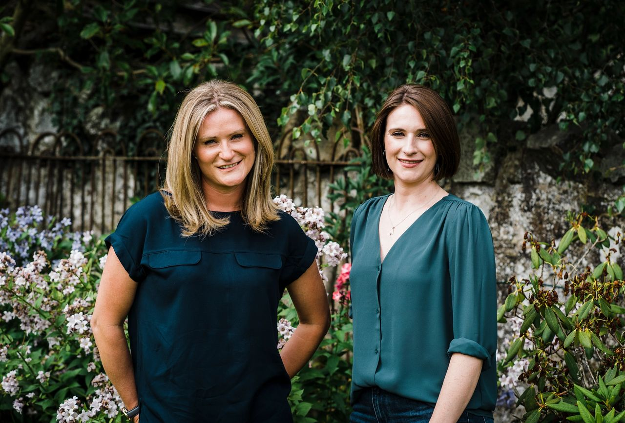 Meet the Successful Founders: Stacy Munro & Jennifer Armstrong founders of Myrror