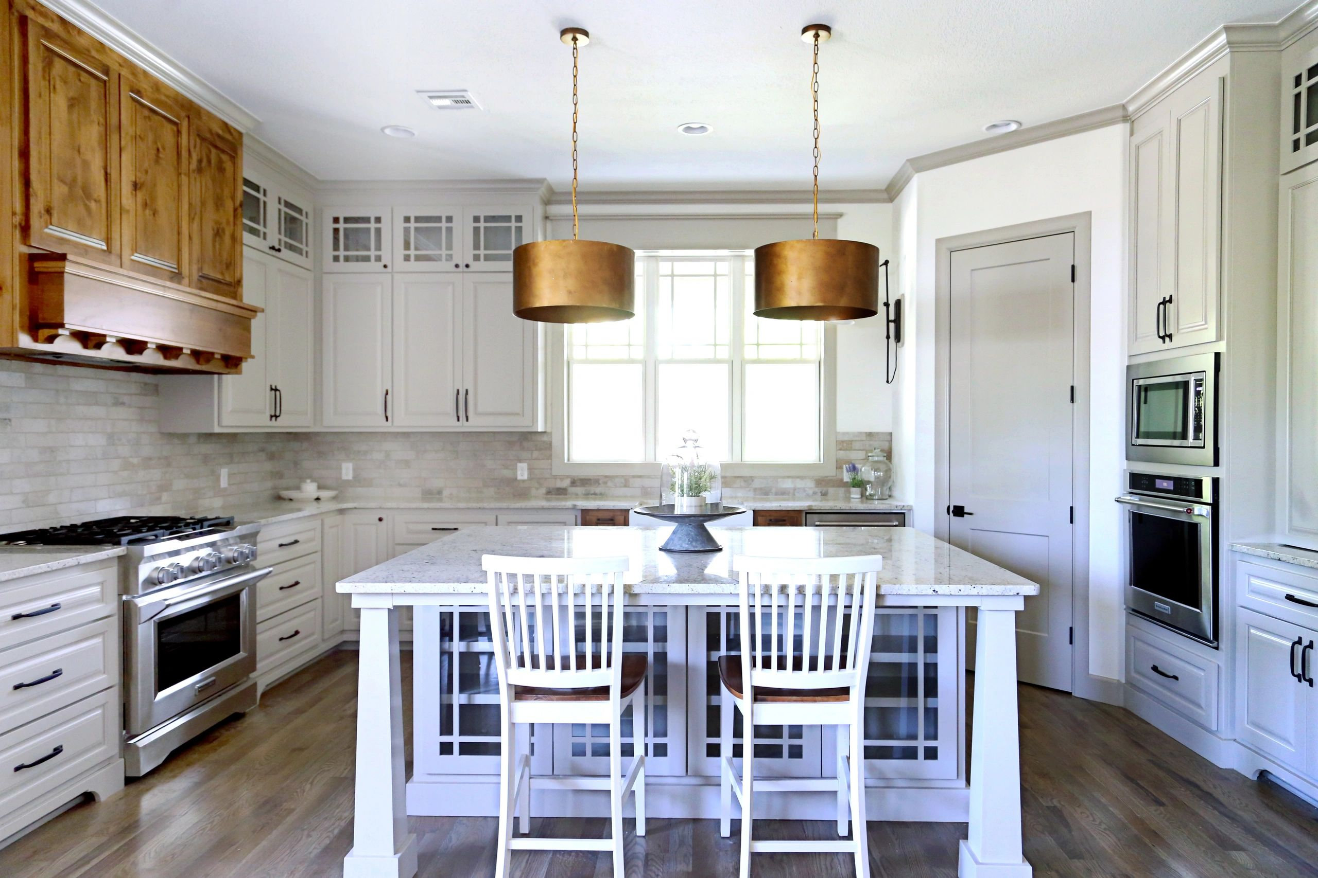 Beautiful kitchen cabinets and trim work