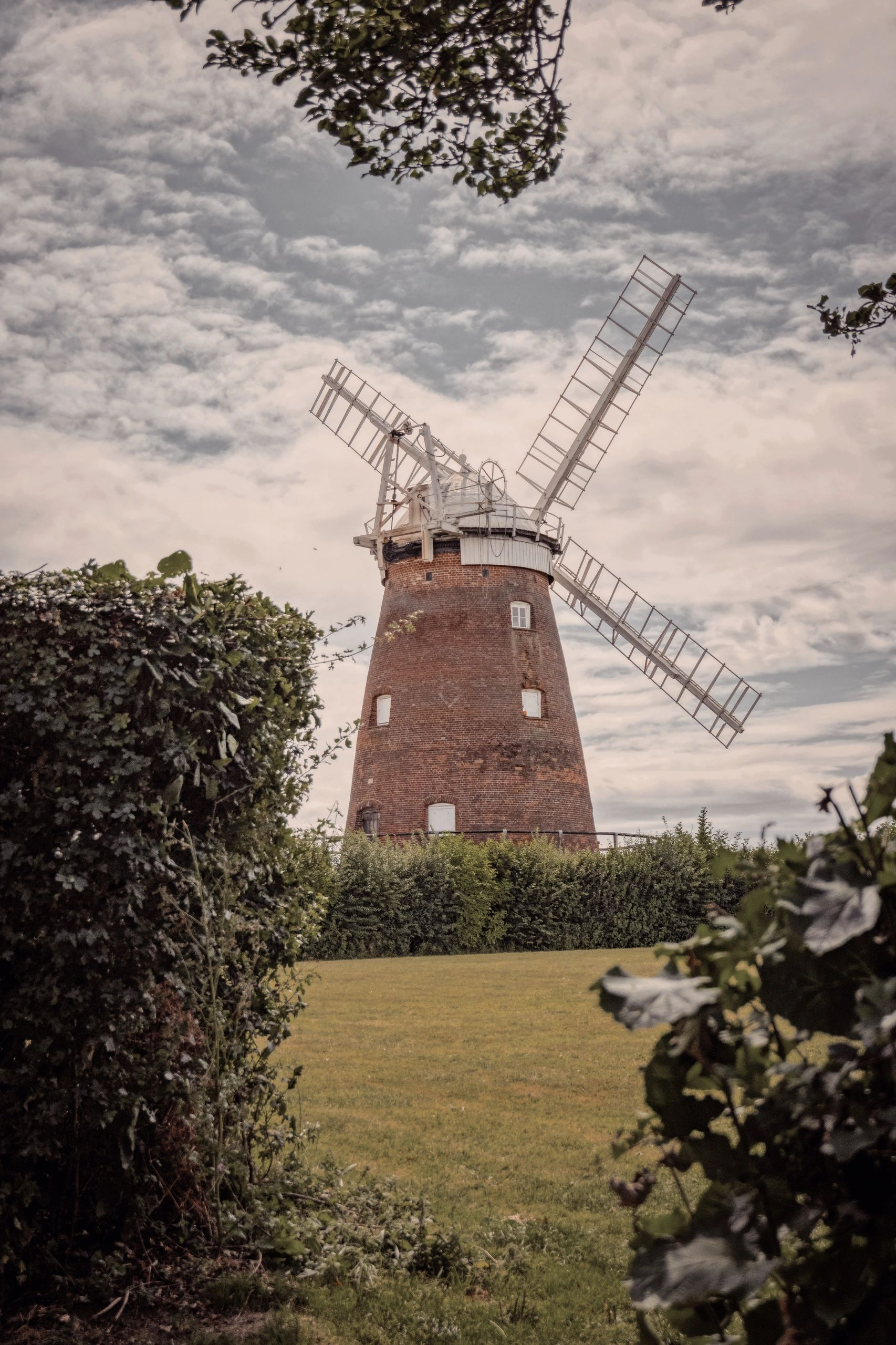"{""blocks"":[{""key"":""qqtu"",""text"":""Thaxted windmill, built in 1804."",""type"":""unstyled"",""depth"":0,""inlineStyleRanges"":[],""entityRanges"":[],""data"":{}}],""entityMap"":{}}"