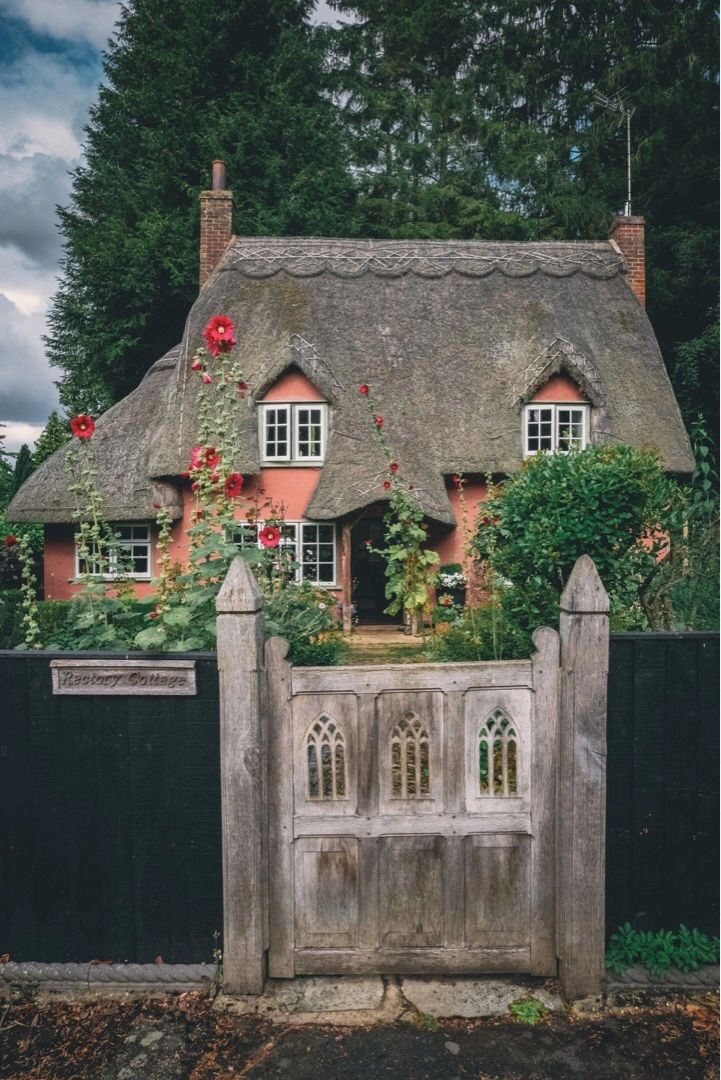 "{""blocks"":[{""key"":""bqi7p"",""text"":""Beautiful thatched cottage in the village of Widdington, Essex. "",""type"":""unstyled"",""depth"":0,""inlineStyleRanges"":[],""entityRanges"":[],""data"":{}}],""entityMap"":{}}"
