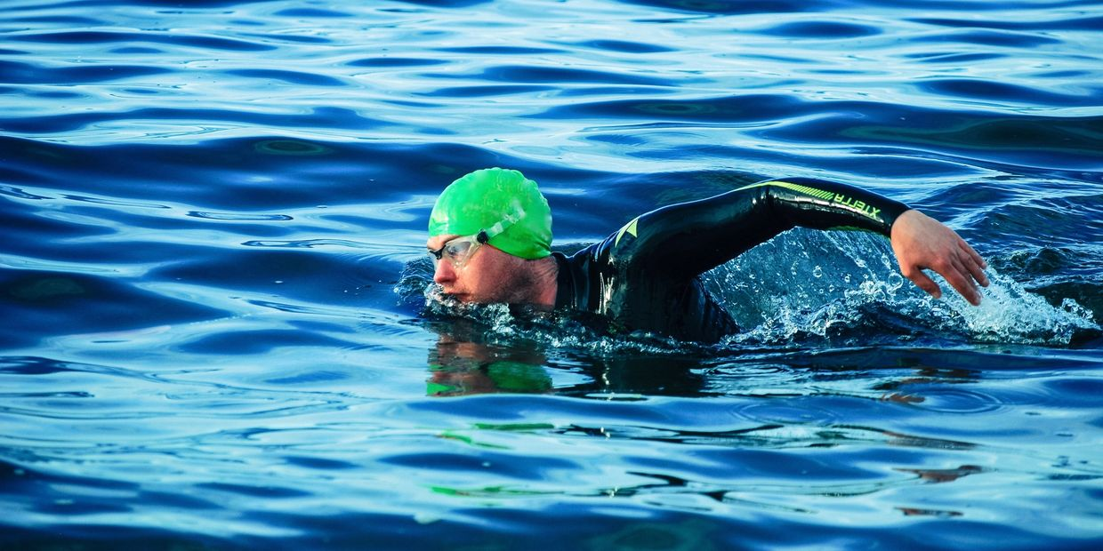 Swimming. Triathlon. Open Water Swimming. Technique. Sea Hiker. Sea Hiker Swimming. Wetsuit.