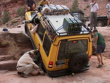 Expedition Exchange ho chung land rover discovery pritchett canyon xd aa yellow jerrycans moab 4x4