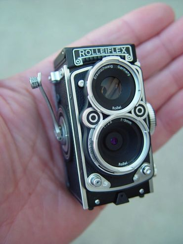 Expedition Exchange minox rollei rolleiflex digital miniature camera micro large format small medium