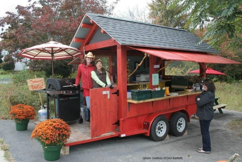 Snappy Dogs - the friendliest hot dog stand around!