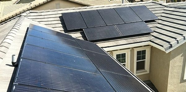 4.0 kW array - 18 Canadian Solar CS6P 255M, 18 Enphase M215-60-2LL-S2x Micro Inverters
