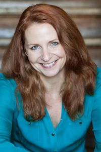 Melissa Reaves is a professional storyteller, actress, and stroytelling coach