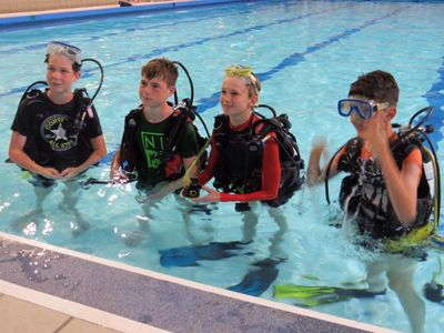 Youngsters attending a BSAC try dive session