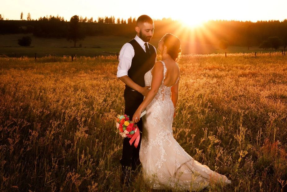 Photo of Couple Sunset photo at Lodgepole Pines Events venue in Spokane WA.