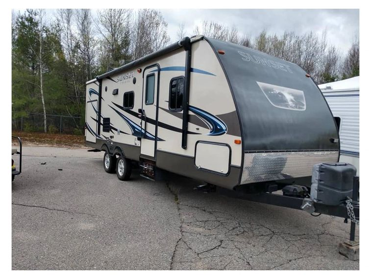 Travel trailer sales, RV, motorhome sales service parts, retail, cummins generator sales & service
