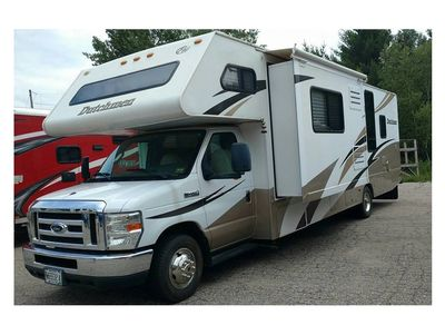 2008  31' Four Winds Thor Dutchmen Chato Class C Motorhome  with  21,005 miles