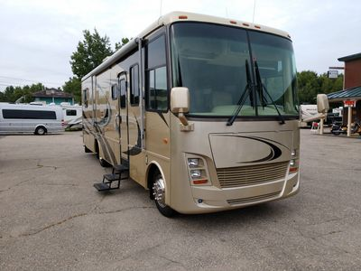 2006 Newmar Kountry Star Class A Motorhome with only 42,000 miles!