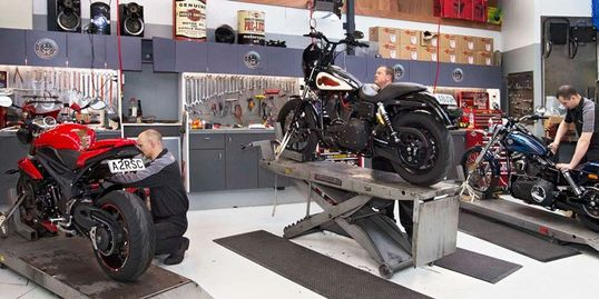 service garage, fix my scooter, repair shop, Motorcycle repair shop, tune up, change oil change tire