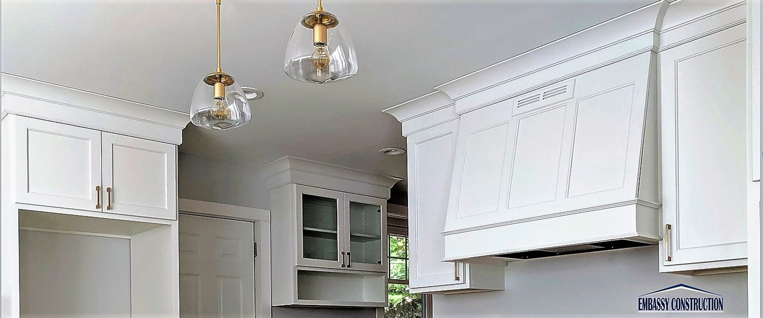 WHITE  KITCHEN CABINETS WITH CROWN MOULDING LINK TO REMODELING TIPS