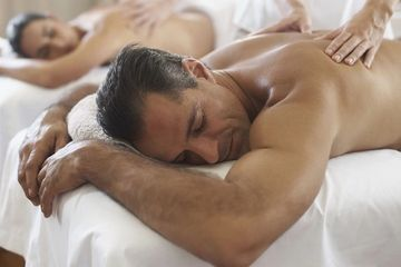 90 Minute Couples Massage in Titusville, FL