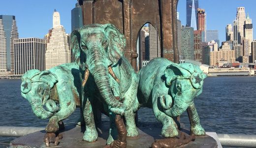 Brooklyn Bridge Elephant Stampede - NYC Urban Legends