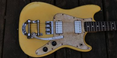 Fender Duo Sonic Mustang  Jaguar Music Master Offset replica Relic aged reproduction guitar