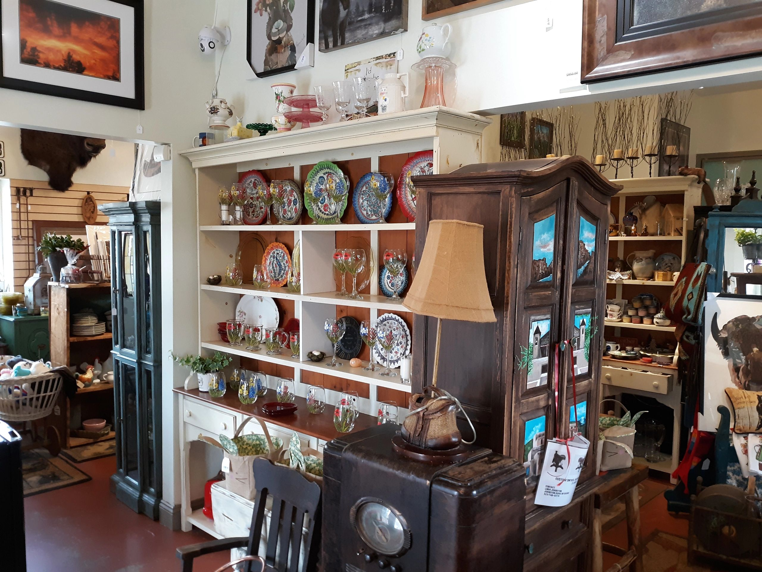 Unique collectables, gifts and furnishings new, vintage and antique