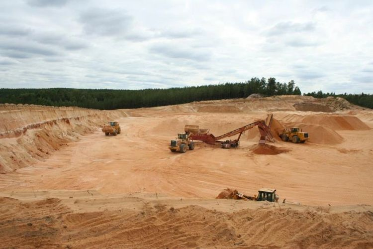 screen red mortar sand mining operation