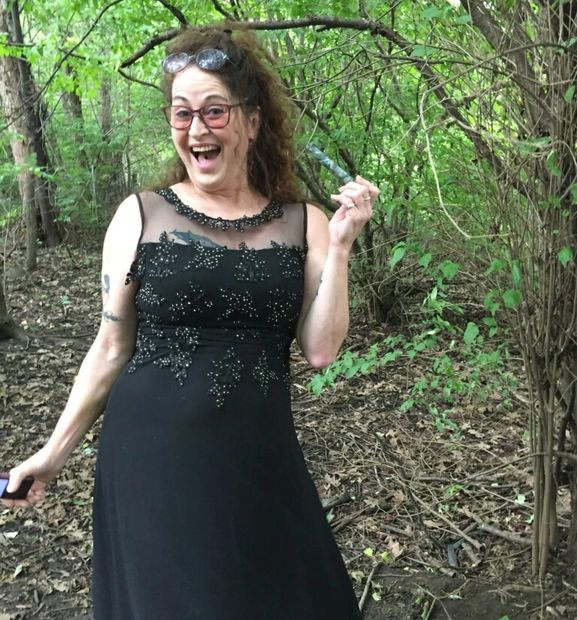 Rev Pam Geocaching before a wedding ceremony in Chicago, IL USA #geocache